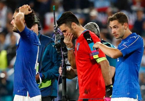 BLV Anh Ngoc: 'Italy thua do tam ly qua kem' hinh anh