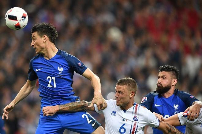 Giroud - Griezmann, cap song sat moi cua Les Bleus hinh anh 4