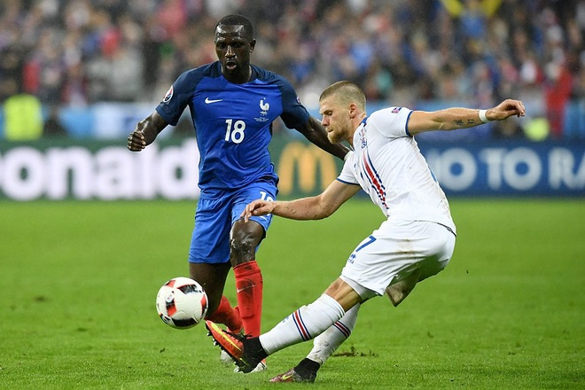 Giroud - Griezmann, cap song sat moi cua Les Bleus hinh anh 11