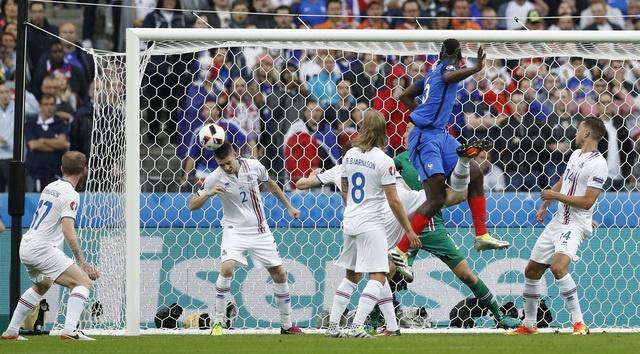 Phap vs Iceland (5-2): Giroud toa sang o tran mua ban thang hinh anh 9