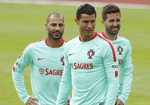 Ronaldo choc cuoi dong doi truoc ban ket Euro 2016 hinh anh