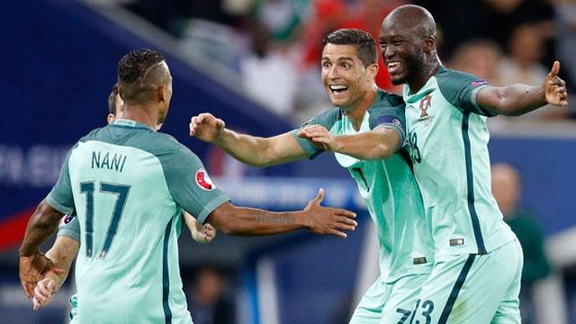 Ronaldo ghi ban va kien tao, Bo Dao Nha vao chung ket Euro hinh anh