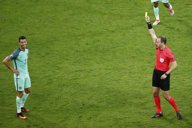 Ronaldo ghi ban va kien tao, Bo Dao Nha vao chung ket Euro hinh anh 19