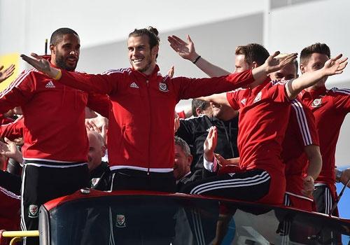 CDV do ra duong don Bale va dong doi sau Euro 2016 hinh anh