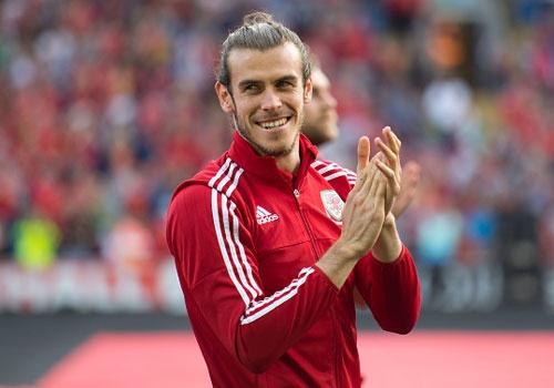 Gareth Bale duoc CDV chao don nhu nguoi hung hinh anh