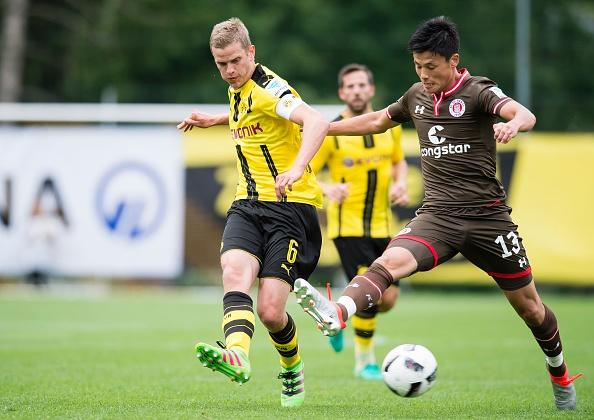 Aubameyang lap cu dup, Dortmund co chien thang 3-2 hinh anh