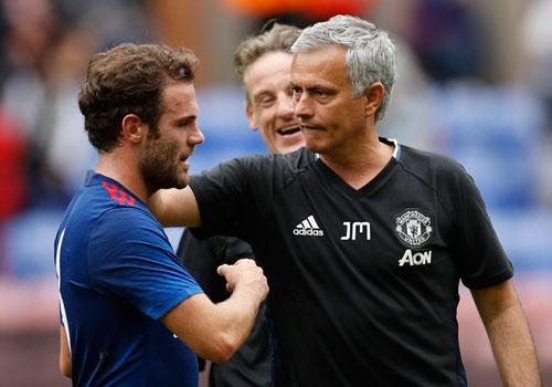 Jose Mourinho ra mat MU suon se voi tran thang 2-0 hinh anh