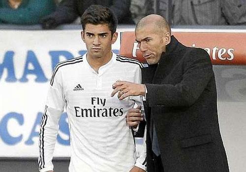 Zidane dua 2 con trai du dau cung Real Madrid hinh anh