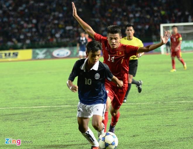 Tran U16 Campuchia vs U16 Viet Nam anh 12