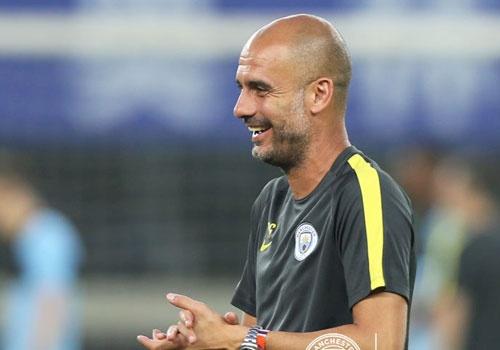 Guardiola cho Man City tap tich cuc truoc tran gap MU hinh anh