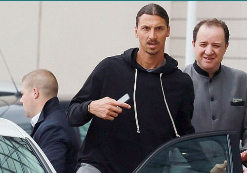 Ibrahimovic san sang cho lan dau hoi quan o MU hinh anh
