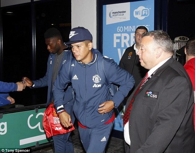 Ibrahimovic san sang cho lan dau hoi quan o MU hinh anh 6