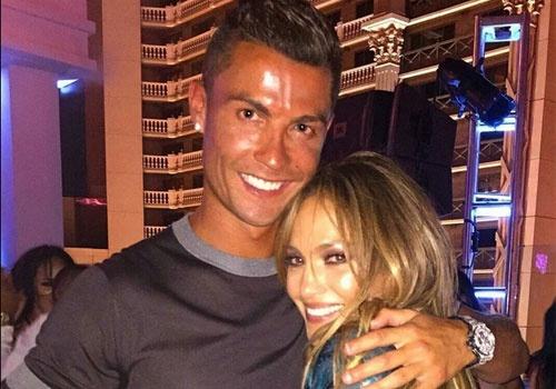 Ronaldo phan khich trong dem nhac soi dong o My hinh anh