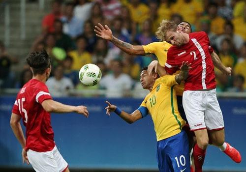 Olympic Brazil vao tu ket sau chien thang 4-0 hinh anh 10