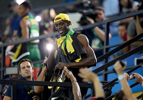 CDV goi Usain Bolt la huyen thoai duong thoi hinh anh