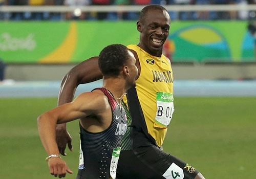 'Tia chop' Bolt tiep tuc cuoi doi thu khi ve nhat o Olympic hinh anh