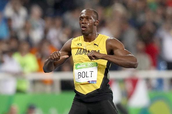 Bolt muon duoc sanh ngang Ali va Pele anh 1