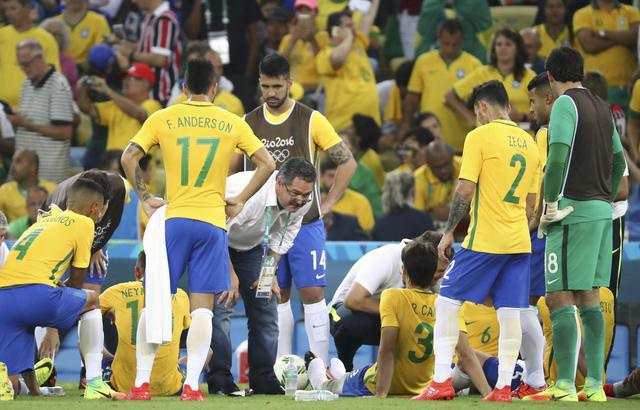 Tran Olympic Brazil vs Olympic Duc anh 14