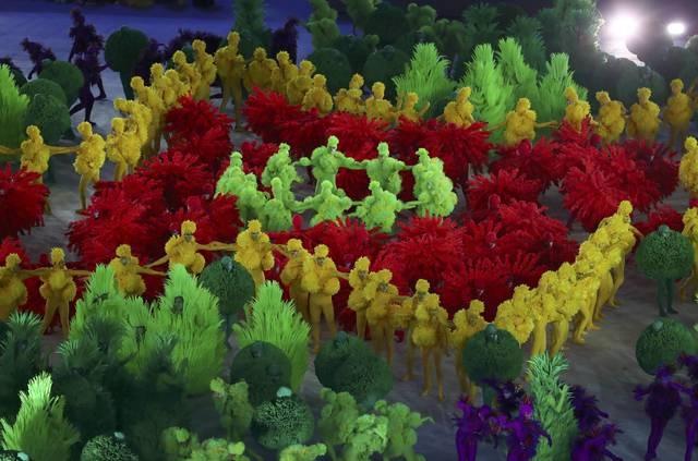 Be mac Olympic 2016: Thu tuong Nhat hoa than Super Mario hinh anh 23