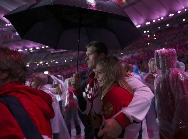 Be mac Olympic 2016: Thu tuong Nhat hoa than Super Mario hinh anh 13