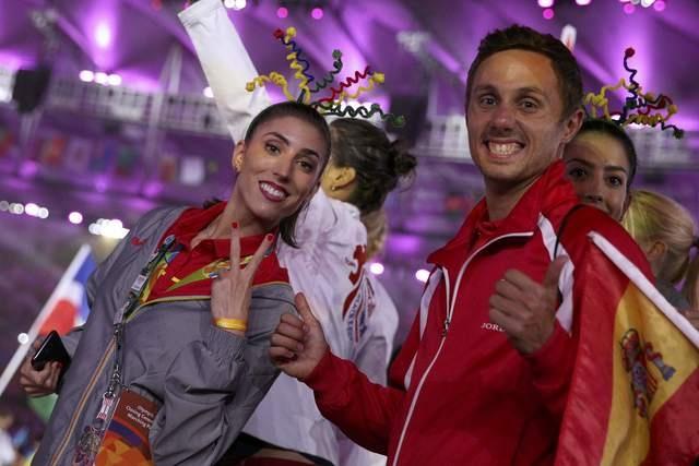 Be mac Olympic 2016: Thu tuong Nhat hoa than Super Mario hinh anh 8
