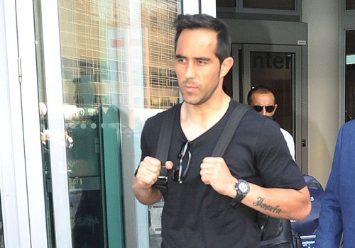 Man City don Claudio Bravo thay the Joe Hart hinh anh 3