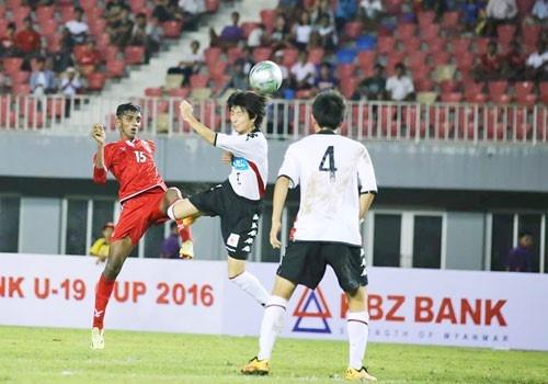 Danh roi chien thang truoc Myanmar, U19 VN van dan dau bang hinh anh 3