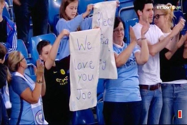 Joe Hart vay tay chao tam biet CDV Man City tren san Etihad hinh anh 7