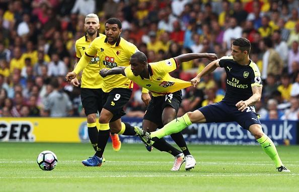 Oezil tro lai va ghi ban, Arsenal co chien thang dau tien hinh anh 13