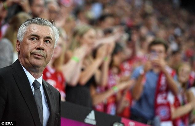Lewandowski lap hat-trick, Bayern thang tran mo man 6-0 hinh anh 3