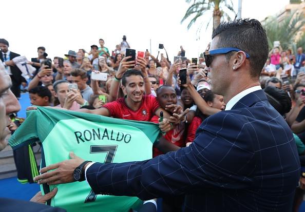 Ronaldo vui minh trong phong tap, san sang tro lai thi dau hinh anh 7
