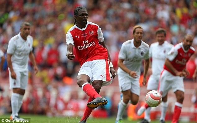 Doi huyen thoai Arsenal thang 4-2 nho hat-trick cua Kanu hinh anh 3