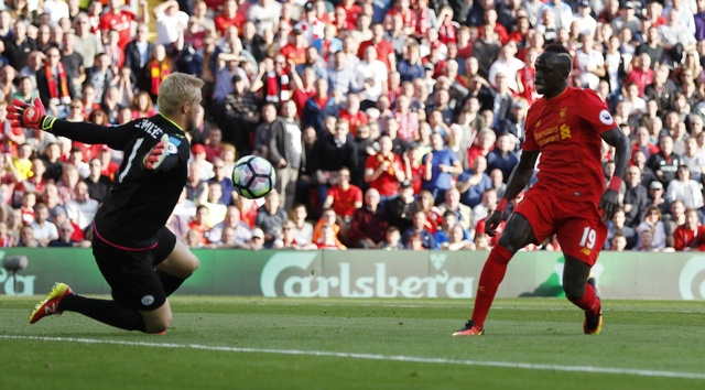 Tran Liverpool vs Leicester City anh 15