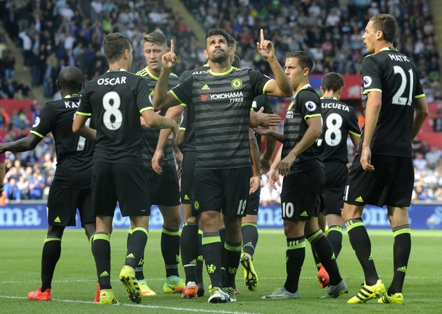 Swansea 2-2 Chelsea: Diego Costa ghi cu dup dep mat hinh anh 10