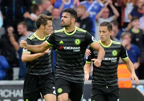 Swansea 2-2 Chelsea: Diego Costa ghi cu dup dep mat hinh anh