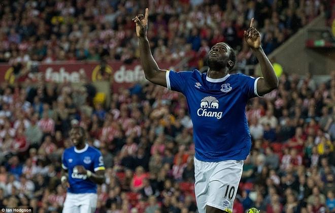 Lukaku ghi hat-trick, Everton thang doi cua David Moyes hinh anh 2