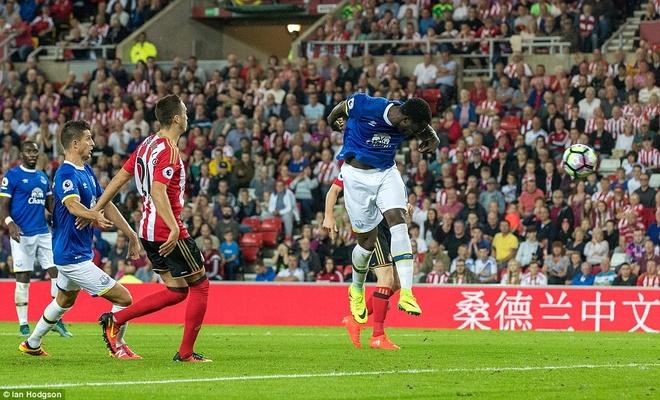 Lukaku ghi hat-trick, Everton thang doi cua David Moyes hinh anh 7