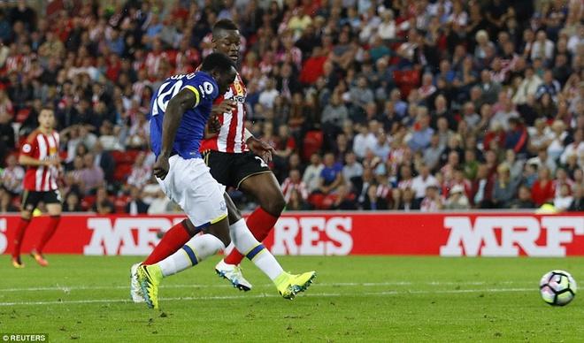 Lukaku ghi hat-trick, Everton thang doi cua David Moyes hinh anh 8