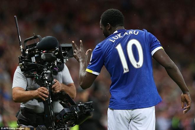 Lukaku ghi hat-trick, Everton thang doi cua David Moyes hinh anh 9