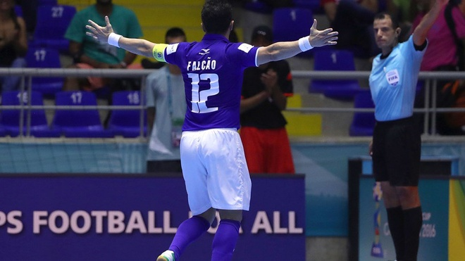 Futsal VN 1-7 Paraguay: Van Vu ghi ban dep mat cuoi tran hinh anh 13