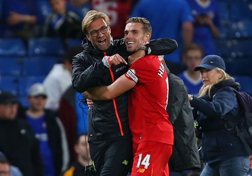 Liverpool khien Chelsea thua tran dau tien mua nay hinh anh