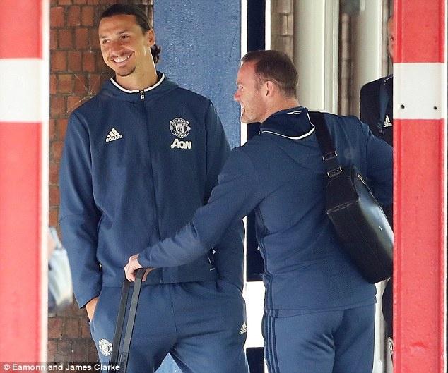 Ibrahimovic va Rooney cuoi tuoi truoc khi den Watford hinh anh 1