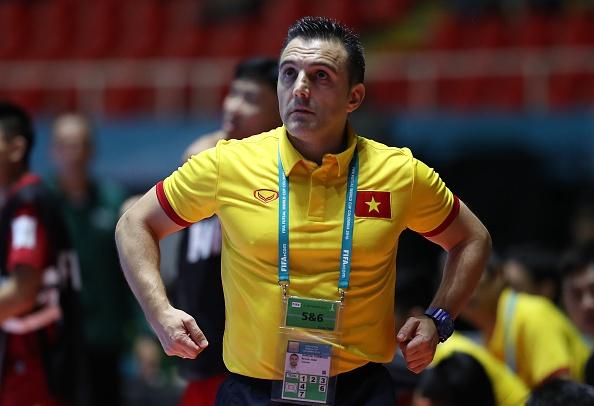 Futsal VN dung buoc o World Cup 2016 sau tran thua 0-7 hinh anh 4