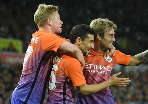 Man City cua Guardiola thang tran thu 7 lien tiep tu dau mua hinh anh
