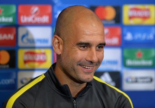 Guardiola canh bao Man City khong duoc tu man hinh anh