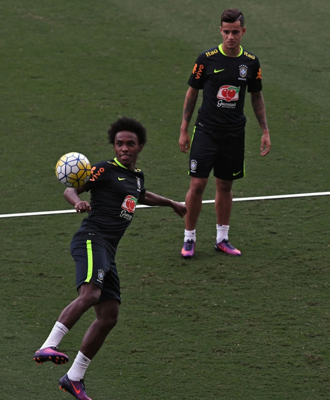 Neymar va dong doi thi nhau bieu dien ky thuat hinh anh 5