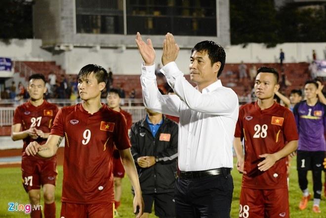 Tran Indonesia vs DT Viet Nam anh 1
