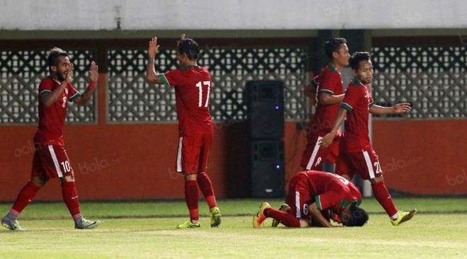 Tran Indonesia vs DT Viet Nam anh 13