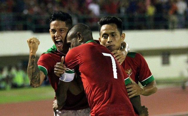 Tran Indonesia vs DT Viet Nam anh 11