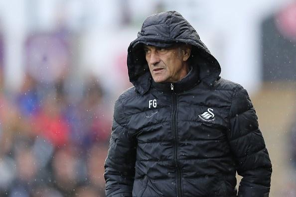 Arsenal 3-2 Swansea: 'Phao thu' thang du choi thieu nguoi hinh anh 8